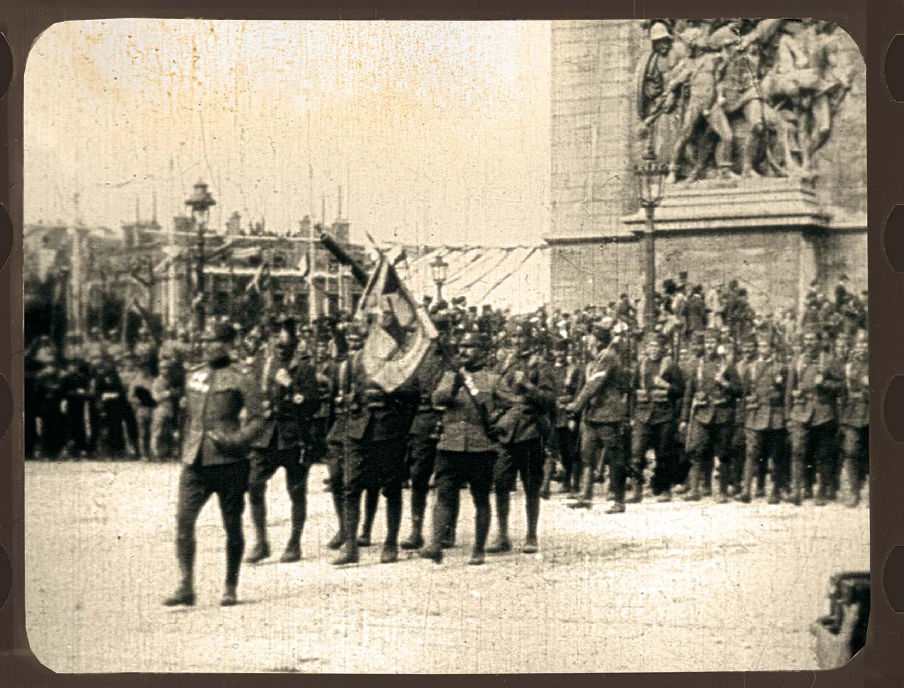 Parada pobede u Parizu_Srpska vojska